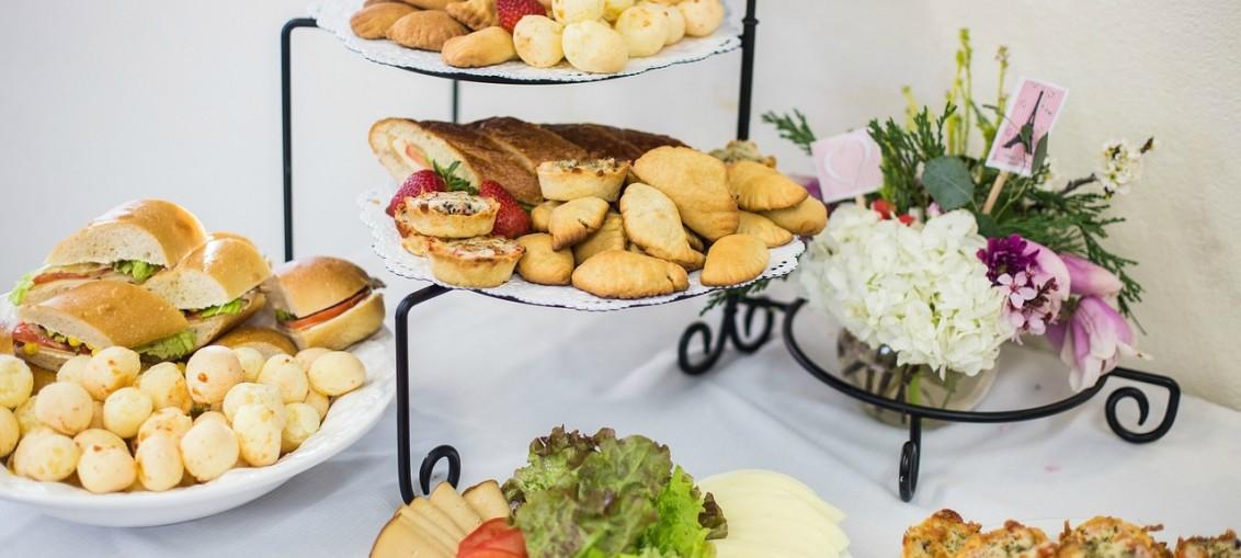 La révolutionne dans le métier de traiteur pour proposer des repas de plus en plus gastronomiques